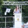 71 Abiturientinnen und Abiturienten strahlen mit der Sonne um die Wette